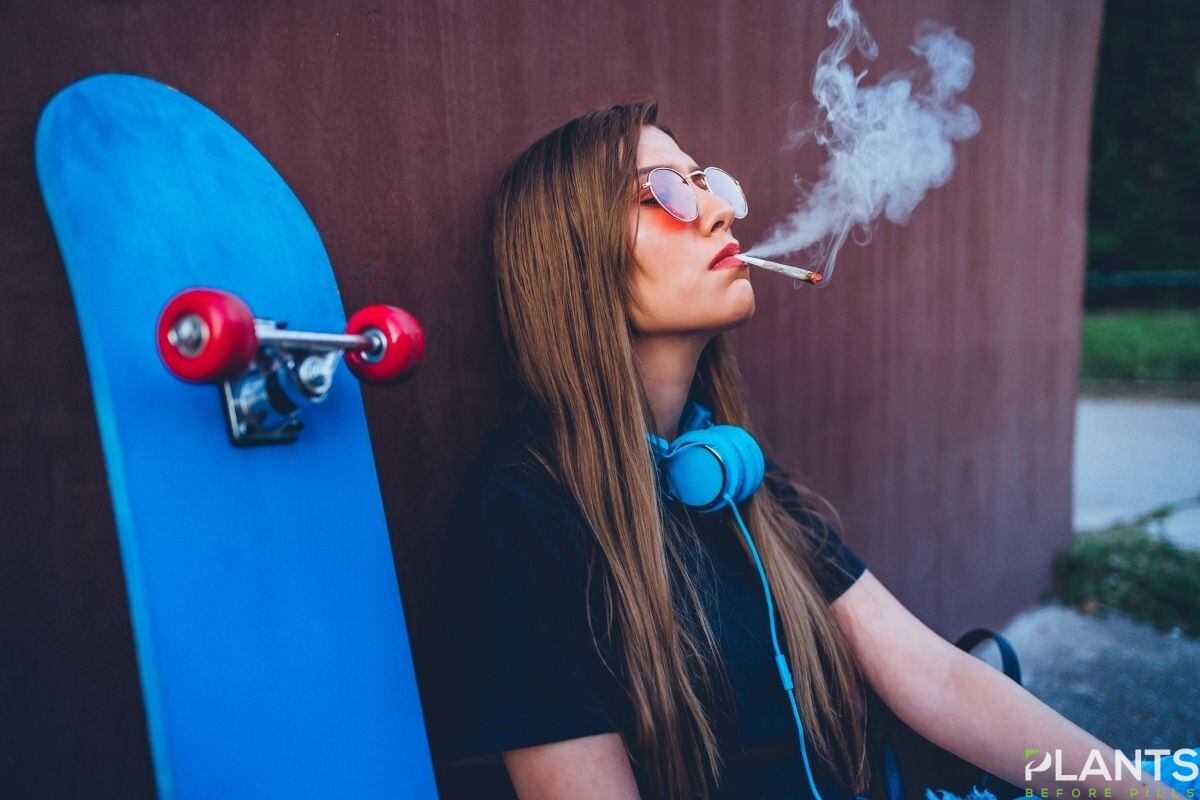 5 Negative Things About Smoking Weed